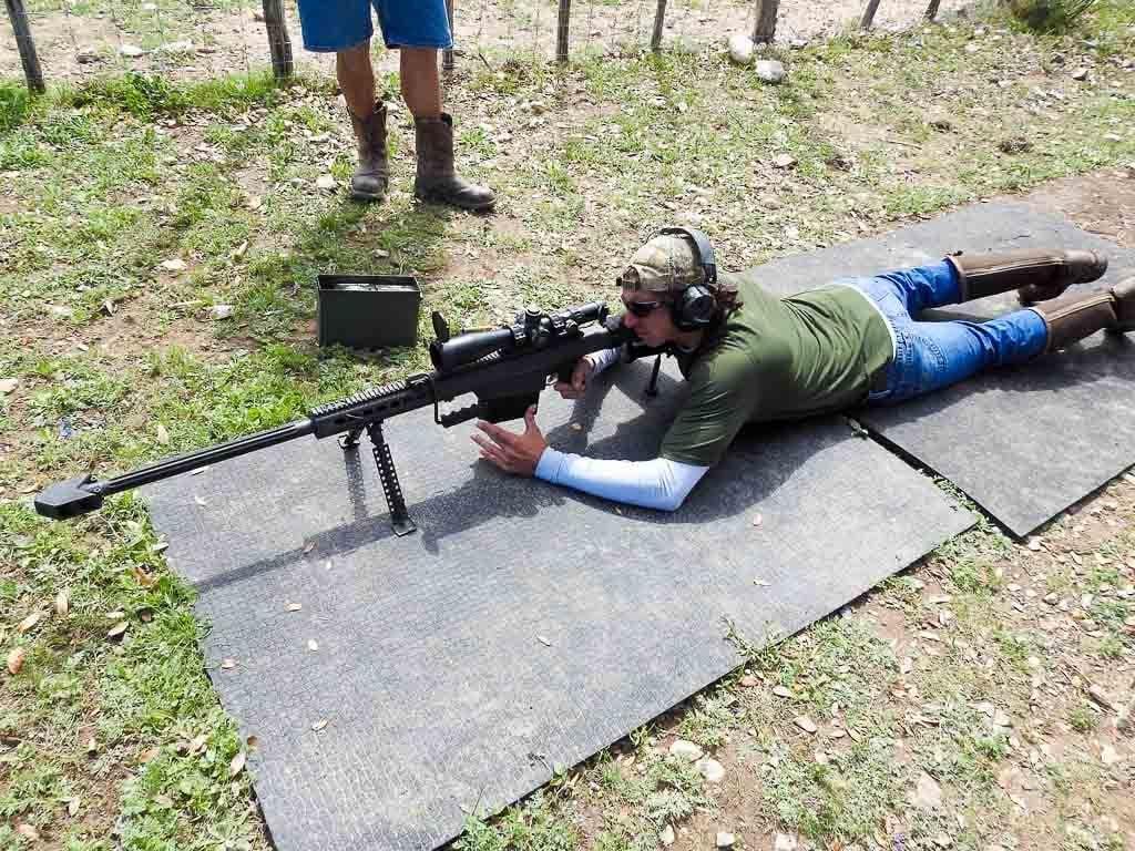shooting machine gun