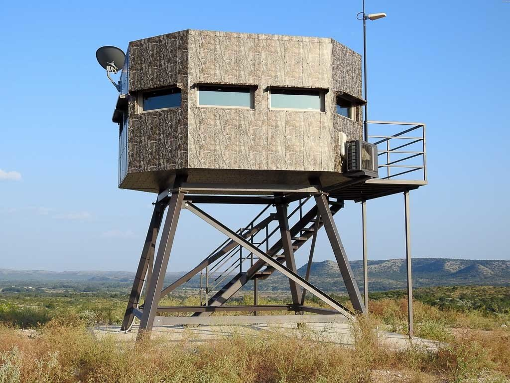 giant hunting blind 1024x768